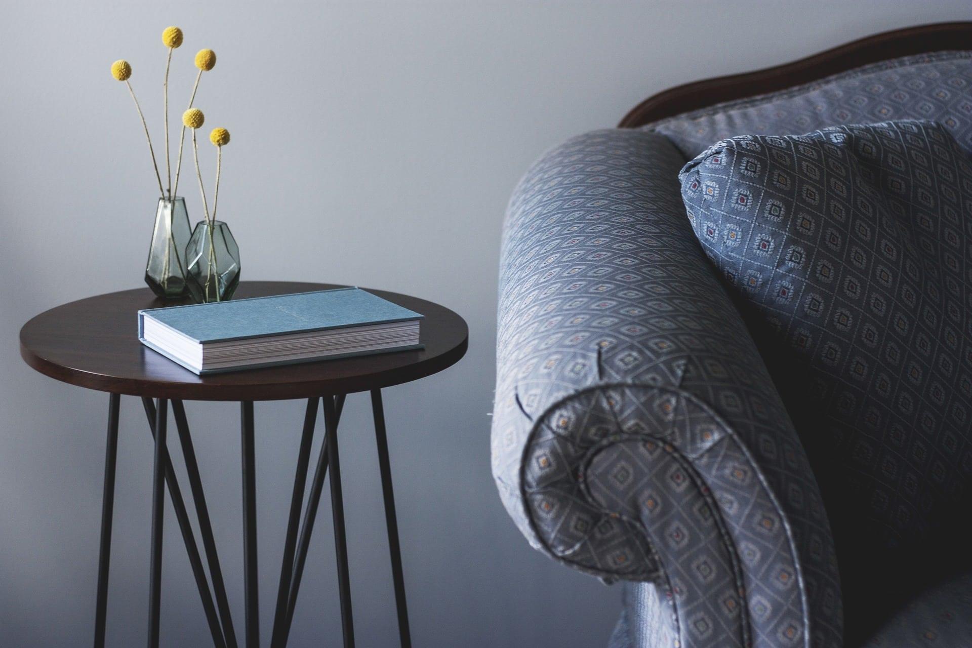 en nyrenset sofa